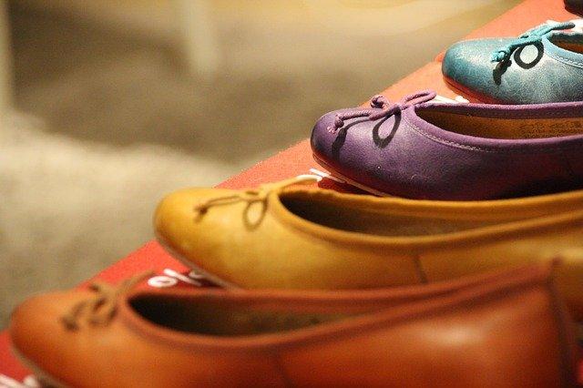 płaskie buty do sukienki